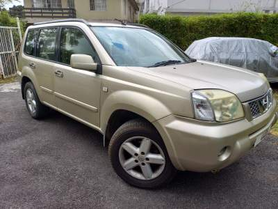 Nissan Xtrail  - SUV Cars on Aster Vender