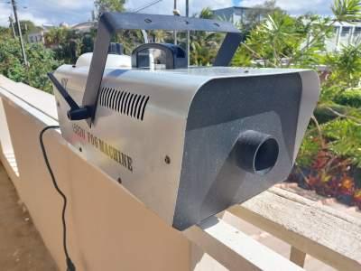 Fog Machine  - Other Studio Equipment on Aster Vender
