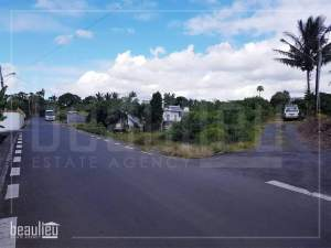 * 10  Perches Residential land, Lallmatie * - Land on Aster Vender