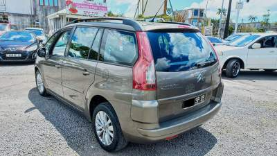 Citroen C4 Picasso Year 09  - Family Cars on Aster Vender