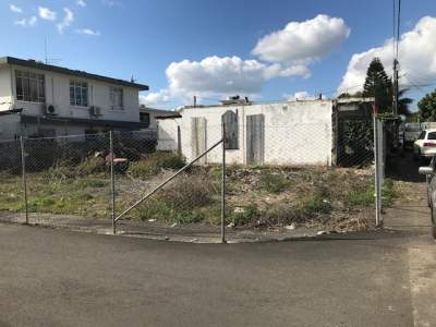 Plot of land (89 toises) - Rose Hill centre - Land on Aster Vender