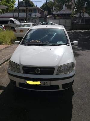 Fiat punto face lift year 2004 - Family Cars on Aster Vender