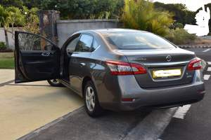NISSAN SENTRA ELEGANCE A VENDRE - Family Cars on Aster Vender