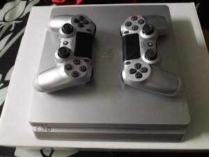 PS 4 - PlayStation 4 (PS4) on Aster Vender