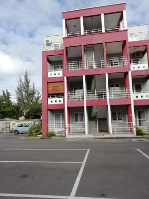 Apartment is for sale in Pereybere @ Rs 4,200,000 negotiable - Apartments on Aster Vender