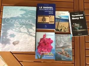 Livres - littérature de l'océan Indien - Fictional books on Aster Vender