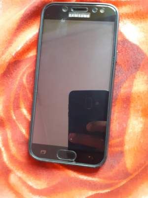 J5 pro  - Samsung Phones on Aster Vender