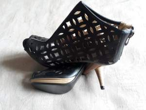 Shoes for sale - Classic shoes on Aster Vender