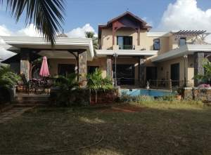 Exclusive luxurious house for sale in Baie du Tombeau.  - House on Aster Vender