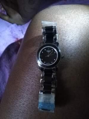 montre  tissot 8 diamants saphir certifié - Watches on Aster Vender