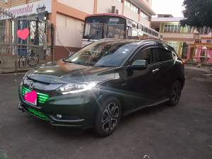 Honda vezel Z package  - SUV Cars on Aster Vender