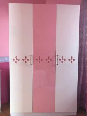 Armoire 3 portes rose et blanc à vendre