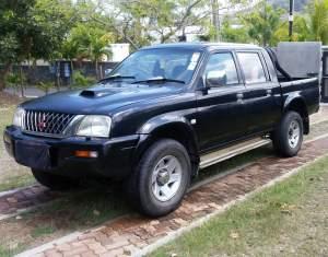 4x4 a vendre - Pickup trucks (4x4 & 4x2) on Aster Vender