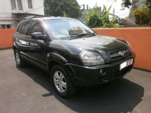 HYUNDAI TUCSON - SUV Cars on Aster Vender