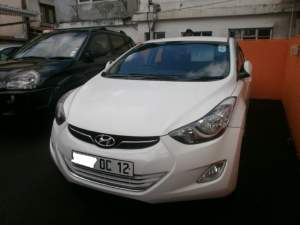Hyundai Elantra - Family Cars on Aster Vender