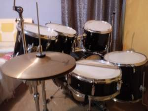 Risetone 6 pcs Drum with 2 cymbals stand - Drums on Aster Vender