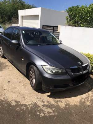 BMW 320i - Luxury Cars on Aster Vender