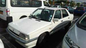 Renault 9 - Family Cars on Aster Vender