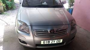 Toyota Avensis yr 09 - Family Cars on Aster Vender