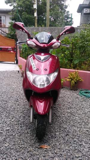 Scooter Suzuki 125cc - Scooters (above 50cc) on Aster Vender