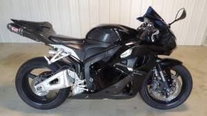 2011 Honda CBR 600RR - Sports Bike on Aster Vender