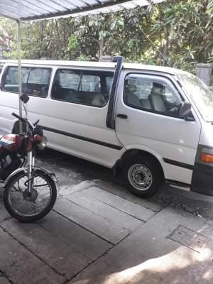 toyota hiace 2001 - Passenger Van on Aster Vender