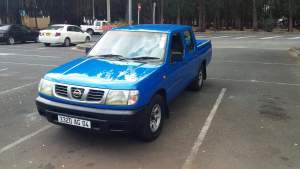 Nissan 2*4 Year 04 - Pickup trucks (4x4 & 4x2) on Aster Vender