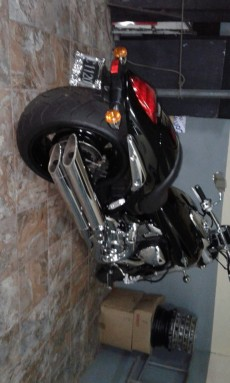A vendre suzuki intruder 1800cc an 2009 2000km au compteut - Cruisers & Choppers on Aster Vender