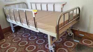 Medical bed - Other Medical equipment on Aster Vender