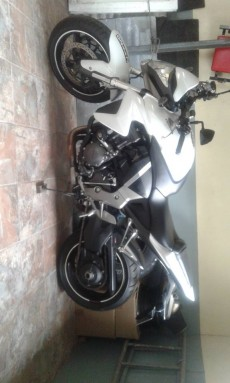 A vendre honda cb1000r tel 57551093 - Sports Bike on Aster Vender