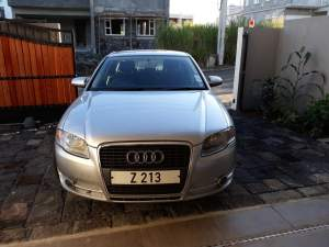 Audi 2009 - Family Cars on Aster Vender