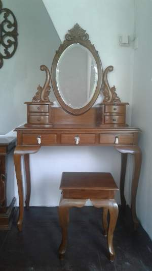 Dressing table and stool - Bedroom Furniture on Aster Vender