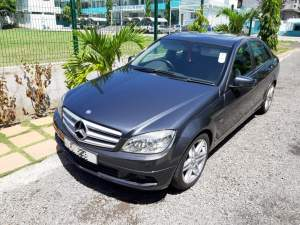 Mercedes-Benz C180 1597cc automatic  - Luxury Cars on Aster Vender