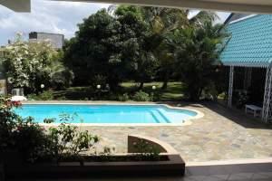 Flic en Flac location grande villa avec piscine et appartement indépen - Villas on Aster Vender