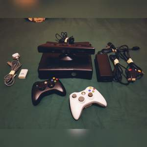 Xbox 360 + 17 Games + 1 Controller + Kinect - PS4, PC, Xbox, PSP Games on Aster Vender
