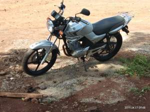 YAMAHA Ybr 125 cc - Roadsters on Aster Vender