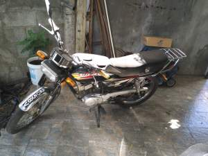 Suzuki AX  - Roadsters on Aster Vender
