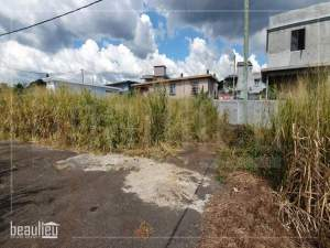 Two plots residential land of 8.5 Perches, d'Epinay