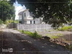 Residential land of 10 Perches, Belle Mare - Land on Aster Vender