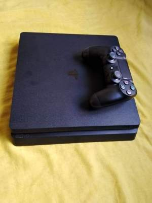 Ps4 a vendre urgent - PS4, PC, Xbox, PSP Games on Aster Vender