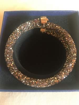 Swarovski Cuff  - Bracelet jewelry on Aster Vender