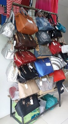 Handbags for all occasions. Port Louis. Call or visit for price! - Bags on Aster Vender