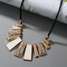 Bijoux a petit prix- Collier Vintage - Necklaces on Aster Vender
