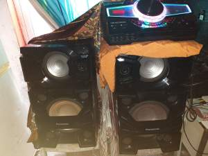 1 pair bafoule and amplifier - Other Musical Equipment on Aster Vender