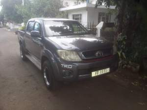A vendre toyota hilux - Pickup trucks (4x4 & 4x2) on Aster Vender