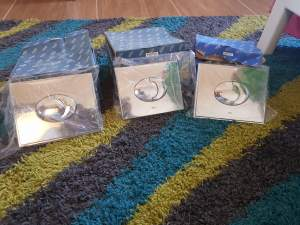 LOT DE 3 BOUTONS DOUBLE POUSSOIR D'EAU - GROHE - Interior Decor on Aster Vender