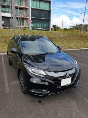 2015 Honda Vezel Z 1.5 Hybrid - SUV Cars on Aster Vender