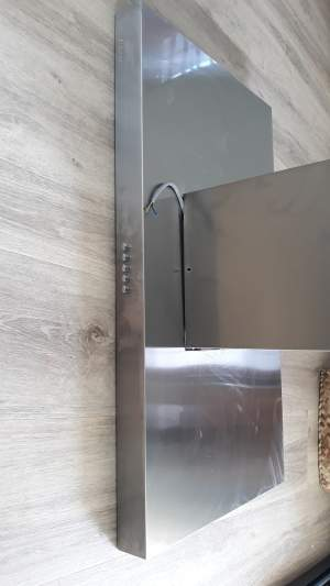 Extractor hood for island unit