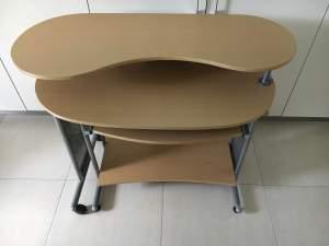 Table  - Desks on Aster Vender