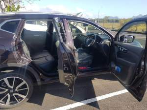 Nissan Qashqai - SUV Cars on Aster Vender